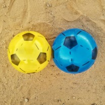 Pelotas de plástico كرة قدم بلاستكية